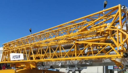 Manitowoc launches pioneering Potain Hup 40-30 self-erecting crane