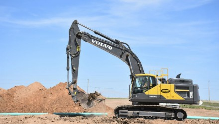 Volvo excavators rebuild the underground infrastructure of the Great Plains