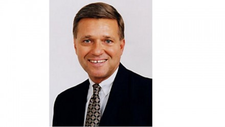 Caterpillar announces Jim Buda Executive Officer retirement