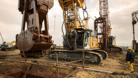 Infrastructure Project at the Suez Canal with Duty Cycle Crawler Cranes and Crawler Cranes from Liebherr