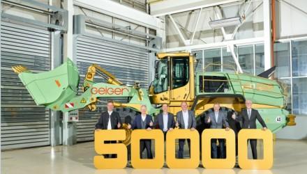 Liebherr-Werk Bischofshofen GmbH delivers 50,000th wheel loader