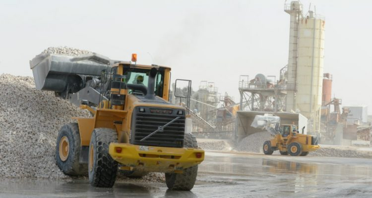 Saudi Dolomite uses Volvo CE machines at the processing plant in Abqaiq, Saudi Arabia.