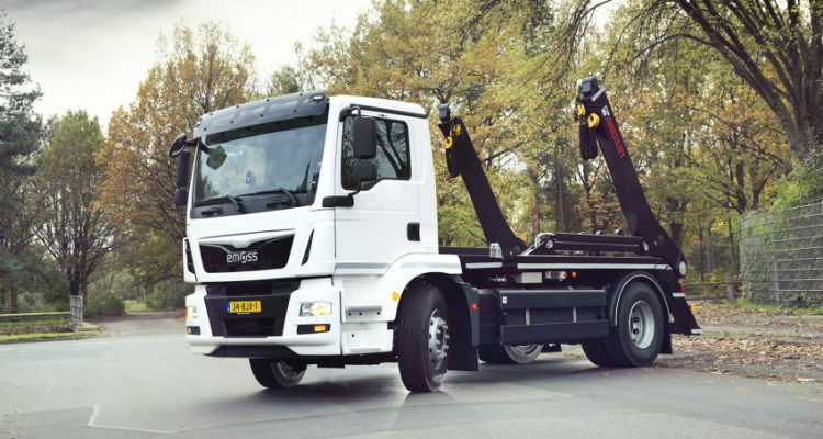 Hiab presents the world's first electric powered MULTILIFT Futura skiploader