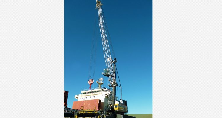 Qube take Liebherr mobile harbour crane for Bell Bay