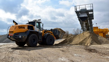 New first three L 566 XPower® wheel loaders delivered to RBS Kiesgewinnung GmbH & Co. KG in Hamburg