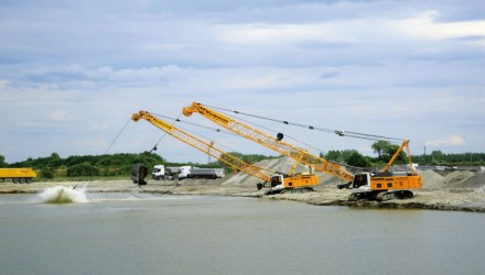 Competence in Gravel Extraction: Kiesabbau Wiedemann Opts for High-Performance Duty Cycle Crawler Cranes from Liebherr