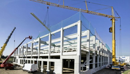 Liebherr MK 140 mobile construction crane successes