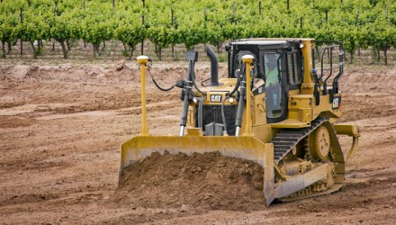 Cat D6T Dozer features optimum fuel efficiency, fully automatic transmission and technology to match the job