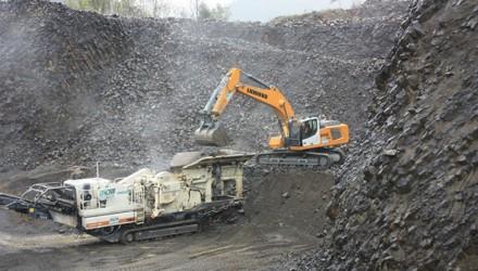 BRCM puts the Liebherr R 946 crawler excavator to work