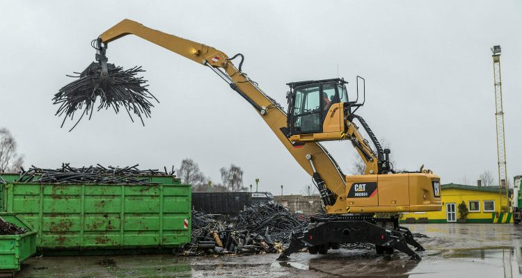 Cat 340F UHD and MH3024 Wheel Material Handler at DDR Expo 2017