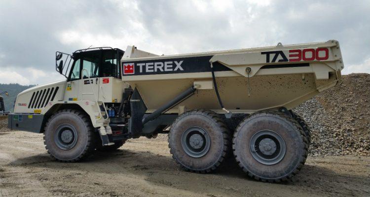 TA300 articulated dump truck makes way for new Czech motorway