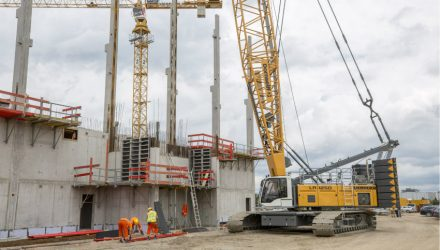 A Further LR 1250 Enhances Crane Fleet and Convinces During Works Expansion