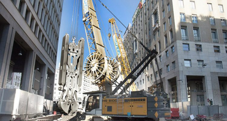 Metro Expansion in Milan: Duty Cycle Crawler Crane and Hydraulic Grab prove to be an Efficient Duo