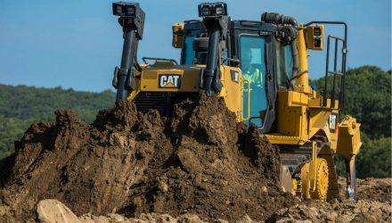New Cat D8T dozer delivers more productivity and better fuel efficiency