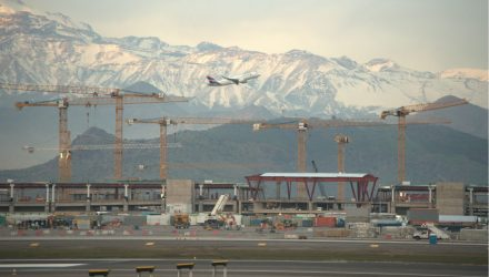 23 Liebherr tower cranes at the airport expansion project in Santiago de Chile
