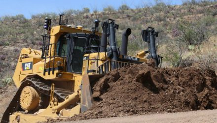 Caterpillar produces 40,000th larger dozer