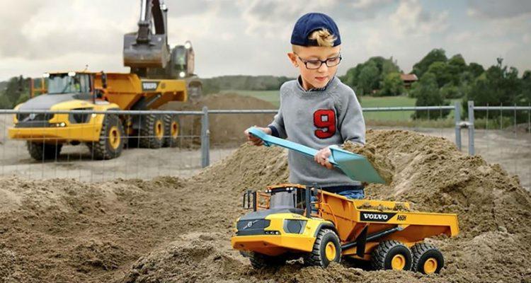 Get your first Volvo machine: Volvo A60H Kids Toy