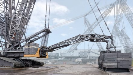 Liebherr LR 1800-1.0 crawler crane proved with 560-tonne test load