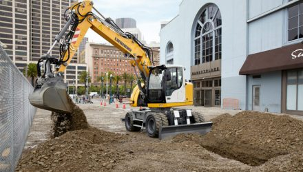 Prototype of the Liebherr A 913 Compact Litronic wheeled excavator