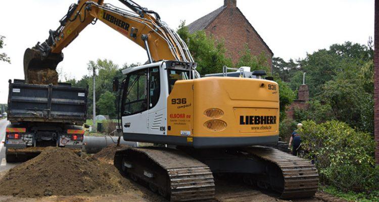 First Liebherr R 936 Compact crawler excavator delivered to Elboka