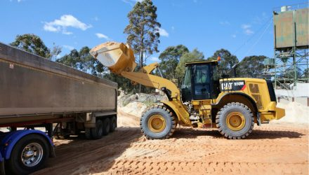 Cat M Series Medium Wheel Loaders (950M – 982M) product update