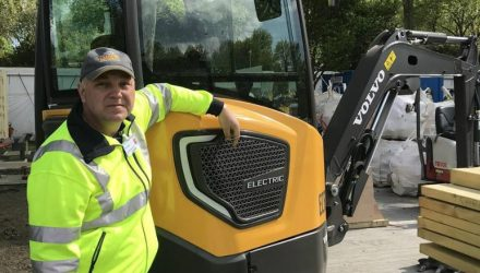 Volvo ECR25 Electric: the very first electric machine at the RHS Chelsea Flower Show