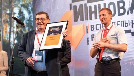 "Potain MCT 385 L14 hailed ""Tower Crane of the Year"""